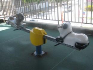 沖縄のファーストフード「ジェフ」 遊具