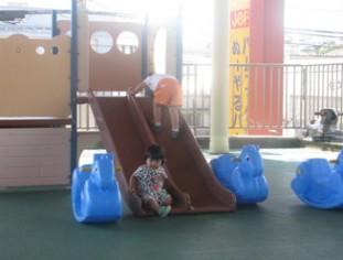 沖縄のファーストフード「ジェフ」遊具